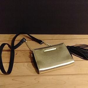 Steve Madden gold color crossbody wallet